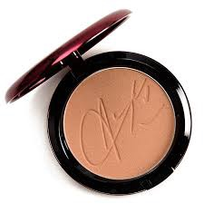 Mac Aaliyah Limited Edition Bronzing Powder